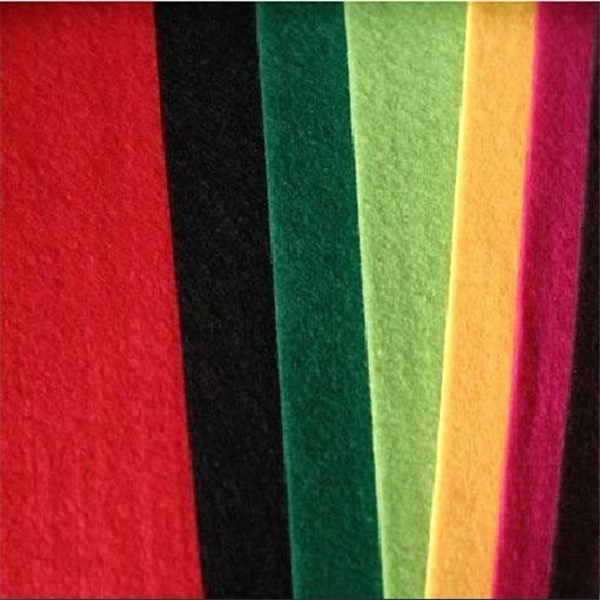 Super soft polyester nonwoven interlining fabric