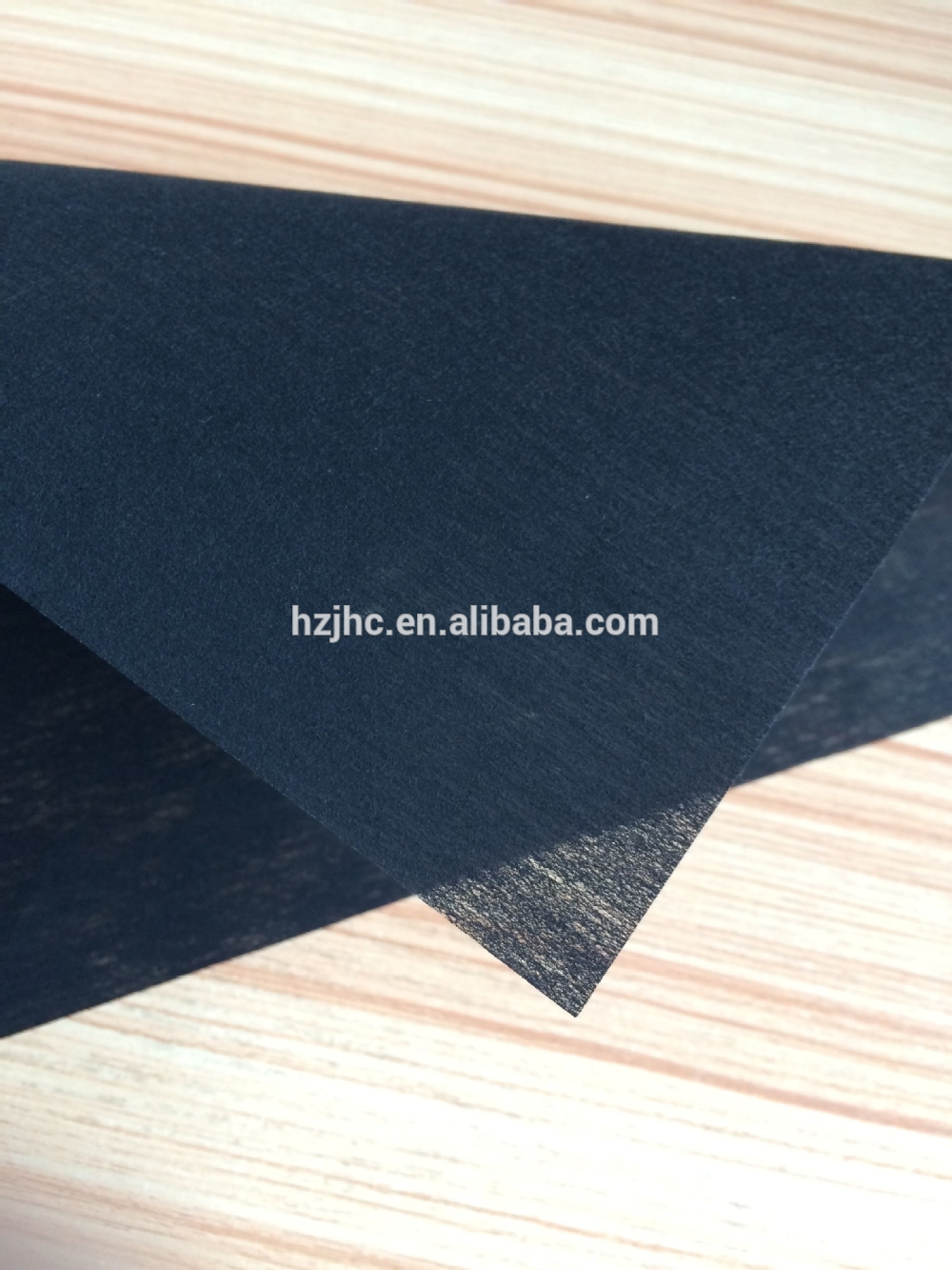 Good water absorbent polyester impregnated nonwoven