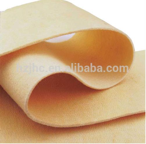 100% polyester ပစ္စည်းနှင့် nonwoven Technical အပ်ကော်ဇောလက်သီးဖြင့်ထိုးနှက်