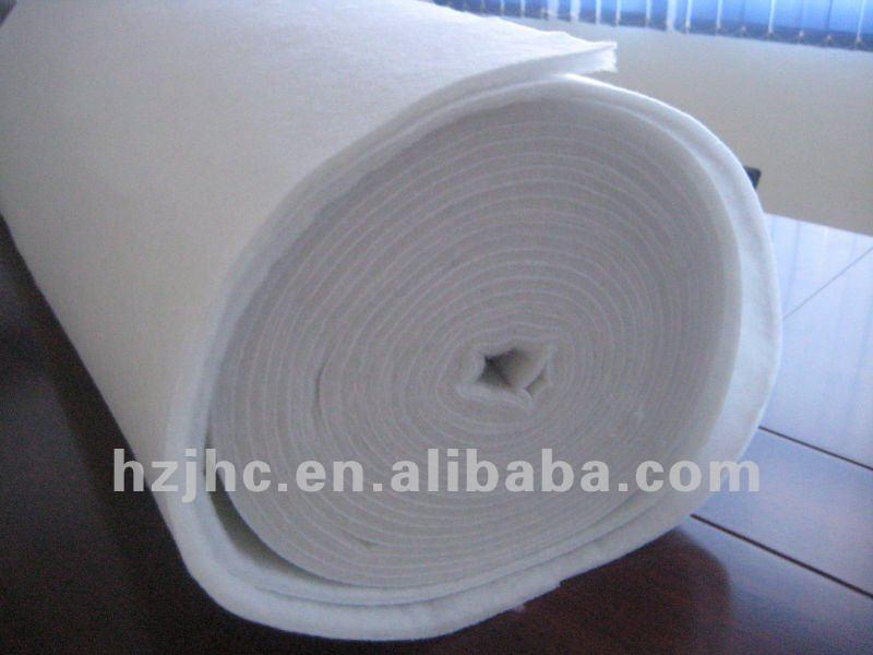 Polyester nonwoven textile wadding