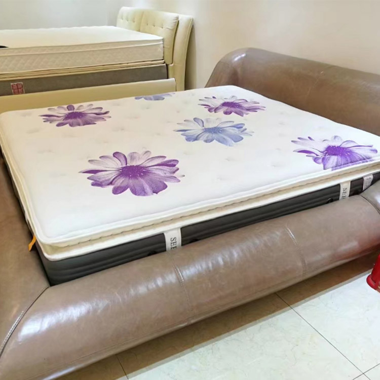 Double needle punched durable mattress with pattern designed