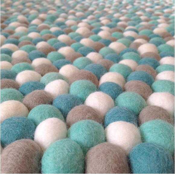 new style and comfortable nonwoven fabric for felt ball rug for home